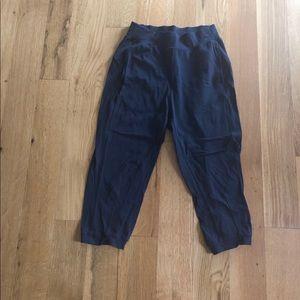 Lululemon crop pocketed pants